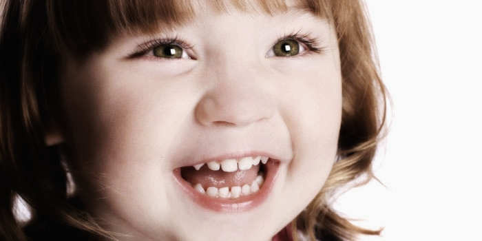 Детская улыбка без кривых зубов